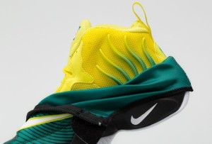 nike-air-zoom-flight-the-glove-sole-collector-sonic-wave-11