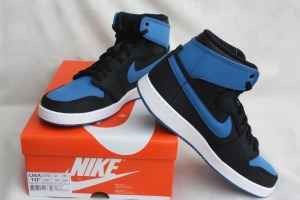 Air-Jordan-1-KO-Black-Royal-1
