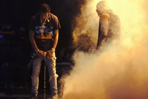 watch-kanye-west-perform-with-travi-scott-and-vic-mensa-at-summer-ends-1